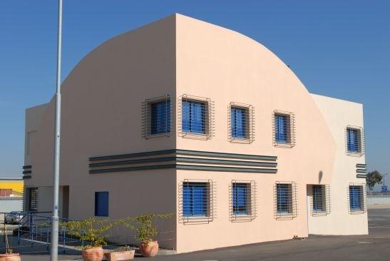 008 מבנה משרדים